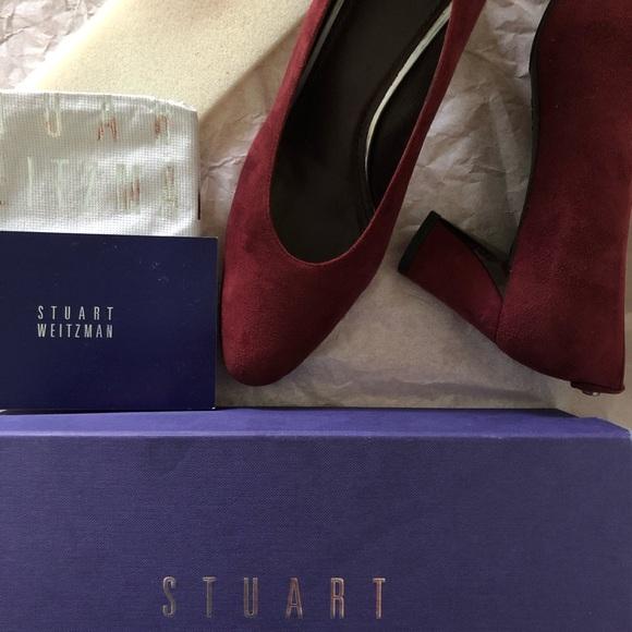 Size 9M Bordeaux Suede Stuart Weitzman heels